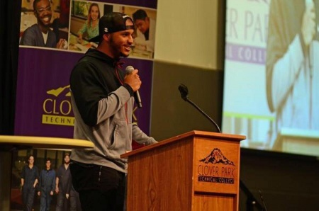 NFL wide receiver Jermaine Kearse was the keynote speaker during All In: A Champion's Mindset, hosted by Clover Park Technical College in Lakewood February 16, 2016. (Courtesy photo by Joint Base Lewis-McChord Public Affairs Office)