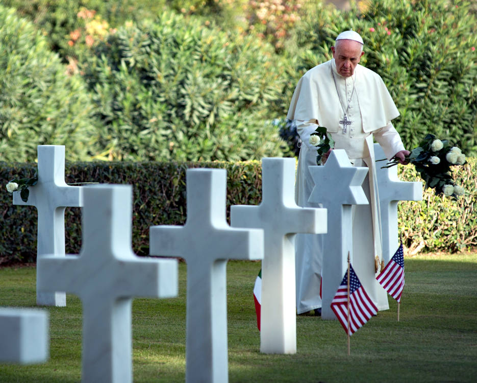 November 2, 2017 - Pope Francis walks through the Sicily-Rome American Cemetery and Memorial grounds during the Italian holiday Tutti Morti. His visit marks the first time in the 98 year history of the American Battle Monuments Commission (ABMC) that a pope has visited an ABMC ground. ABMC's commemorative mission includes designing, constructing, operating and maintaining permanent American cemeteries in foreign countries, establishing and maintaining U.S. military memorials, monuments and markers where American armed forces have served overseas since April 6, 1917. (U.S. Navy photo by Mass Communication Specialist 3rd Class Ford Williams)