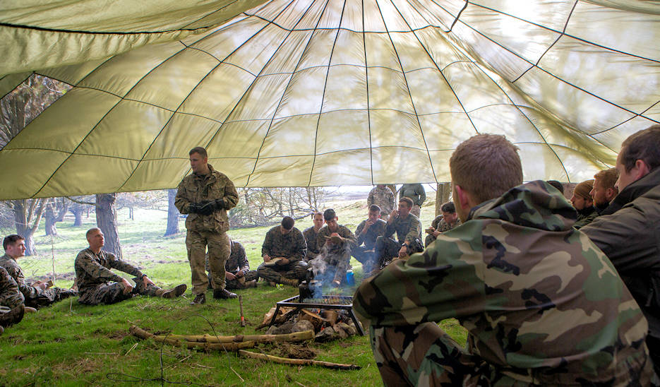 British Army Staff Sgt. Steven Kelly, survival instructor with 29th Commando Regiment, Artillery Battery, teaches Marines with 4th Air Naval Gunfire Liaison Company, Force Headquarters Group, necessary survival procedures should they be stuck in the wilderness for an extended time, in Durness, Scotland, April 26, 2018. 4th ANGLICO is in Scotland to take part in Joint Warrior 18-1, an exercise that furthers their readiness and effectiveness in combined arms integration, small unit tactics and land navigation. This training aims at improving their capabilities and combat effectiveness and ensures they're ready to fight tonight. (U.S. Marine Corps photo by Cpl. Dallas Johnson)