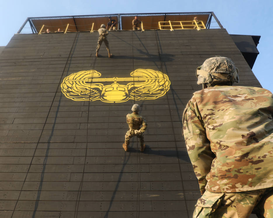Competitors train in preparation for the rappel operations event at the 2018 U.S. Army Reserve Best Warrior Competition at Fort Bragg, North Carolina, June 11, 2018. Thirty six competitors representing U.S. Army Reserve commands throughout the world are vying for the noncommissioned officer and junior enlisted U.S. Army Reserve Best Warrior titles. (U.S. Army Reserve photo by Spc. Devin Patterson)