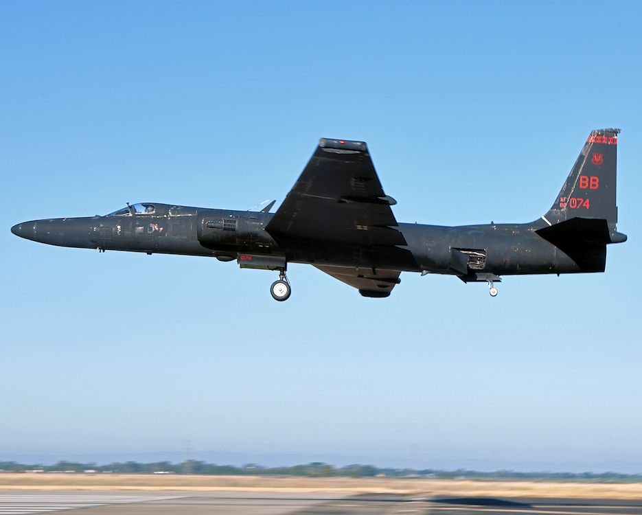 A U-2 Dragon Lady piloted by retired Lt. Col. Jonathan Huggins, 1st Reconnaissance Squadron U-2 instructor pilot, prepares for landing on July 31, 2020 at Beale Air Force Base, California. The bicycle-type landing gear and low-altitude handling characteristics of the U-2 require precise control inputs during landing. (U.S. Air Force photo by Airman 1st Class Luis A. Ruiz-Vazquez)