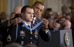 President Barack Obama presents the Medal of Honor to Army Staff Sgt. Salvatore Giunta at the White House in Washington, D.C., Nov. 16, 2010. White House photo by Chuck Kennedy