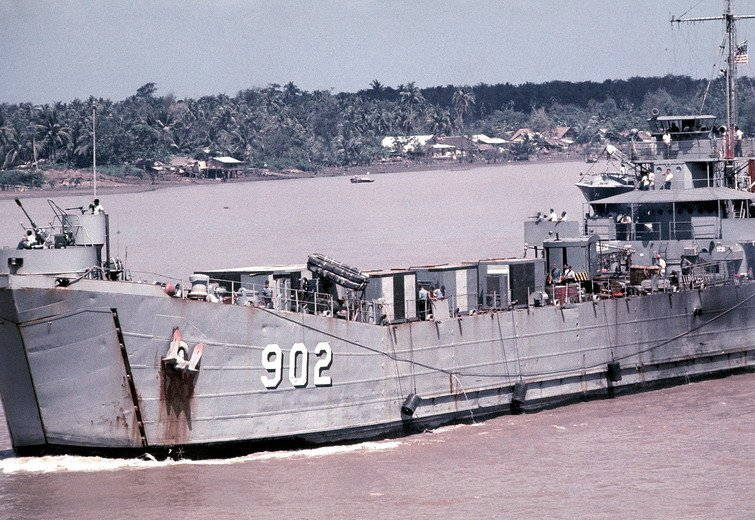USS Luzerne County (LST-902) underway on the Mekong River, Vietnam, 1968. (U.S. Navy courtesy photo)