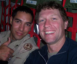 Craig Morgan with a troop in Iraq