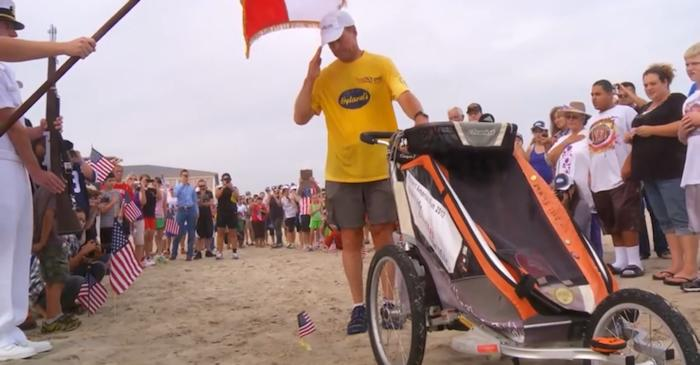 After over 8 months of marathon days, Mike Ehredt's amazing personal tribute to over 6,550 fallen US Servicemen and women ended on Veterans Day, November 11, 2012, in Galveston, Texas, at 1:30 PM.